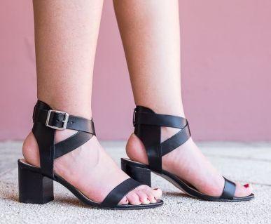sandales-brides-noires-eram